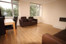 4 bed Flat in Evering Road...