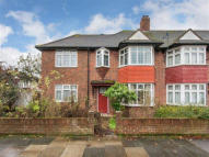 4 bedroom Terraced property in Oxford Close, Mitcham...