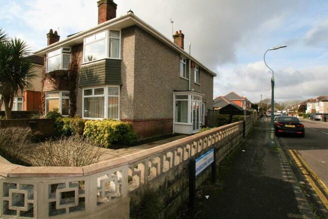 3 Bedroom Semi Detached House To Rent In Kinsbourne Avenue