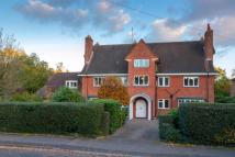 6 bed Detached house in West Byfleet