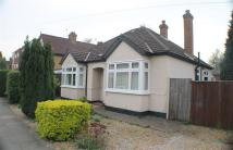 2 bedroom Bungalow in Heathside, Whitton