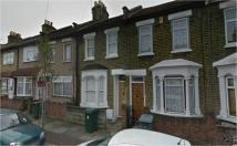 Studio flat in 95 Aldworth Road...