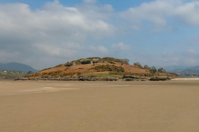 Island 7 (Main)