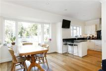 5 bedroom house to rent in Burdenshott Avenue...