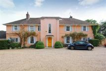 5 bed Detached home in Barnet Lane, Elstree
