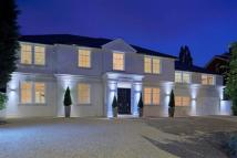 6 bedroom Detached property in Crescent East...