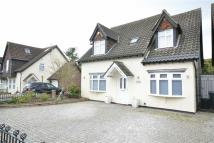 4 bedroom Detached house in Uplands Park Road...