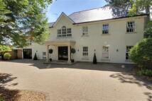 6 bedroom Detached home in Camlet Way, Hadley Wood...