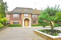 5 bedroom Detached house in Beech Hill, Hadley Wood...