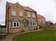 6 bedroom Detached house for sale in Debdhill Road