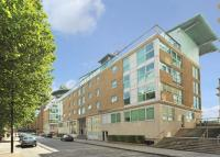 2 bedroom Flat in Wapping High Street...