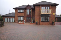4 bed Detached property in  Dave Barrie Avenue...