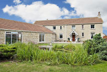 6 bed Detached property for sale in Oxenford Farm...