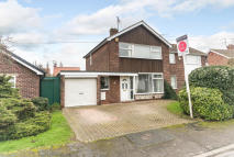 3 bedroom semi detached property in Meadow Drive, Doncaster...