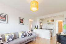 Flat in Dunraven Drive, Enfield...