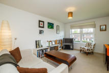 1 bed Flat for sale in Hope Close, London, SE12