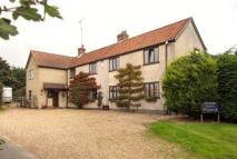 8 bed Detached house in Tunstead Road...