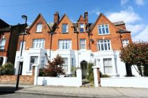 5 bed Terraced property in Deronda Road, London SE24