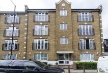 2 bed Apartment in Albany Road, London