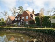 5 bed Detached home to rent in Roundwood Lake, Hutton...
