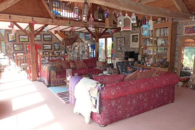 42ft Living Room