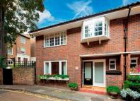 3 bedroom End of Terrace house in Randolph Mews, London