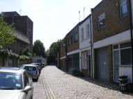 Town House to rent in Hamilton Close...