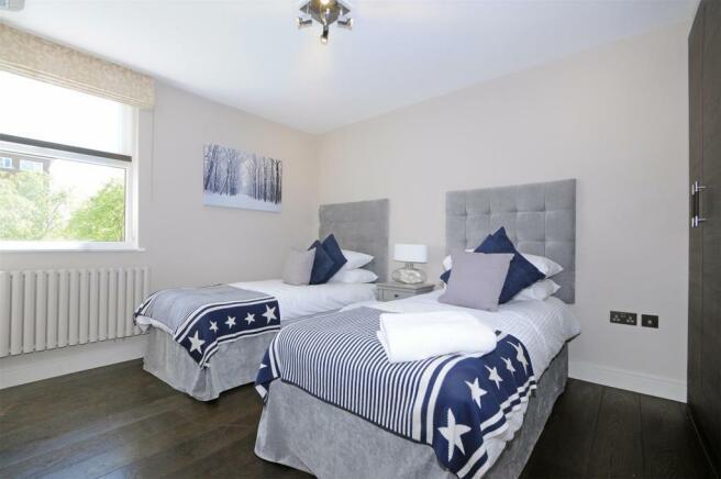65 BC twin bedroom.J