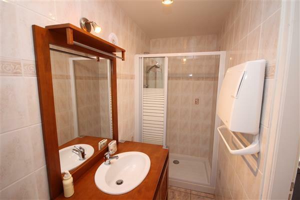 Bathroom/Salle de Bain gite 2