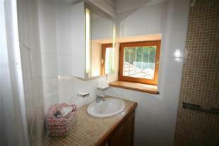 Bathroom 1/Salle de Bain 1