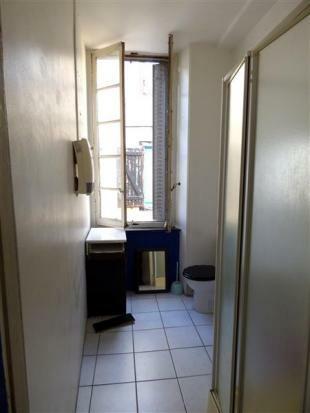 Apt 1  Bathroom/Salle de Bain