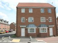 4 bedroom semi detached house in Waterfields, Retford...