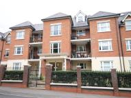 2 bed Flat in Manor Road, Chigwell, IG7