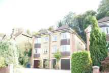 4 bed Town House in GROVE ROAD, Godalming...