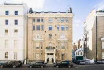Flat in Queen's Gate Place...
