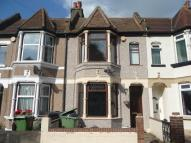 3 bedroom Terraced property for sale in Knockhall Chase...