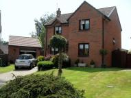 Detached property in Immaculate Throughout !