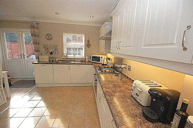 kitchen units.jpg