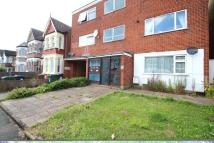 2 bed Apartment in Chingford Avenue...