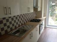 2 bedroom Flat to rent in Holly Road, Wanstead, E11