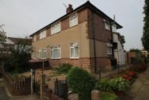 2 bedroom Flat in , Hainault, IG6
