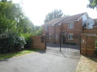 3 bed semi detached property in Dolphin Close, Winnersh