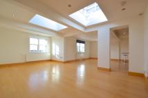 Flat to rent in Holland Park, London, W11