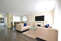 3 bedroom Town House to rent in Peony Court, Park Walk...