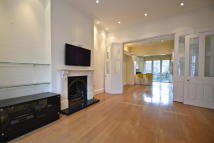 Hammersmith Grove Terraced house to rent