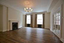 3 bed Apartment to rent in Grosvenor Square, London...