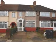 4 bedroom Terraced house for sale in Kings Avenue Greenford...