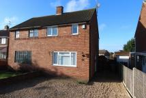 semi detached house to rent in Elm Avenue, Caddington