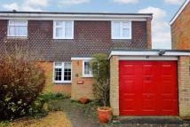3 bed semi detached property in Ross Way, Slip End