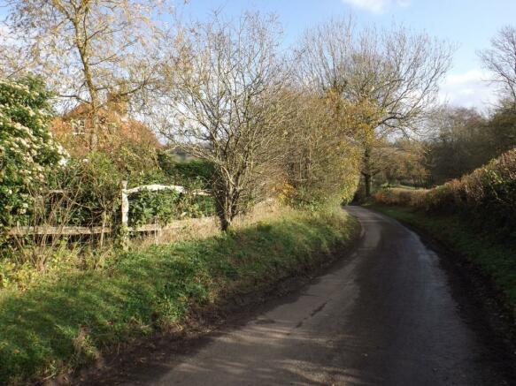 quiet lane location